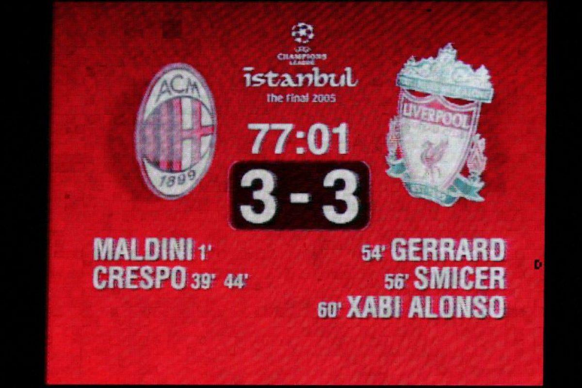 Varios equipos han perdido la final de Champions League cuando uno de sus integrantes toca el trofeo. Foto:Getty Images