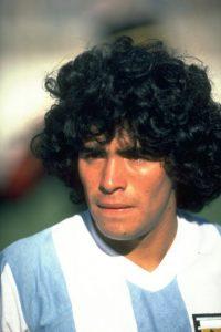 En 1981 llegó a Boca Juniors y en 1982 se marchó al Barcelona de España. También disputó el Mundial de España 1982. Foto:Getty Images