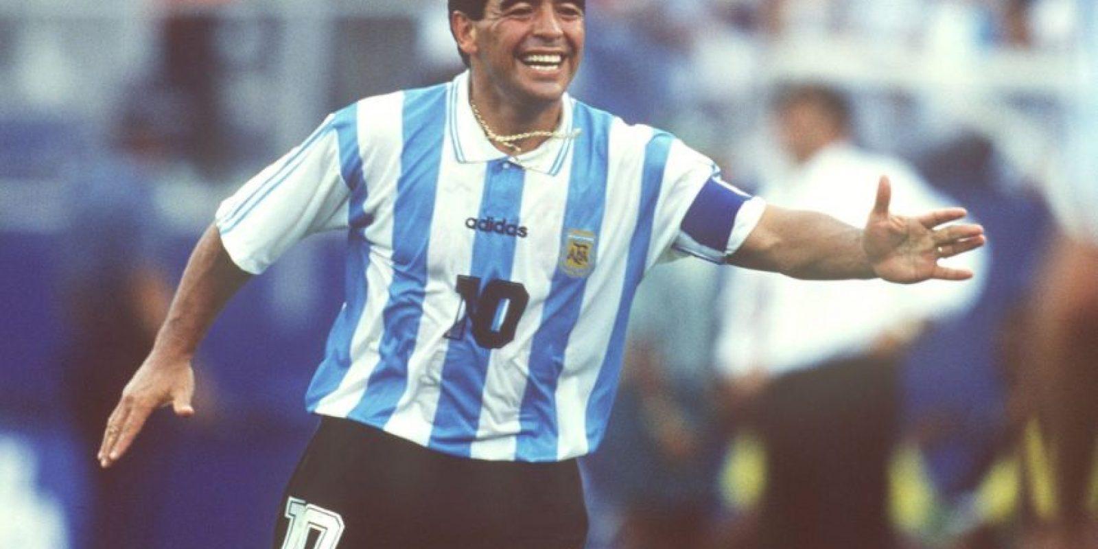"""Maradona jugó su último Mundial en Estados Unidos 1994, torneo del que fue expulsado por dar positivo en el control antidoping. El """"Pelusa"""" fue suspendido por quince meses por lo cual debió abandonar al instante la concentración de la """"Albiceleste""""."""