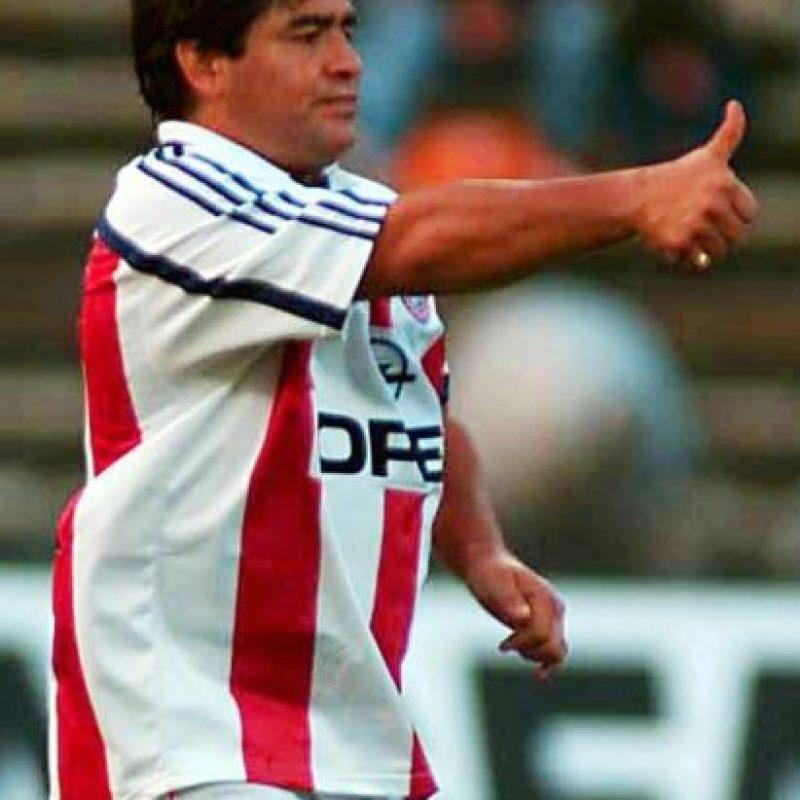 Se retiró del fútbol el día de su cumpleaños 37, el 30 de octubre de 1997. Foto:Getty Images