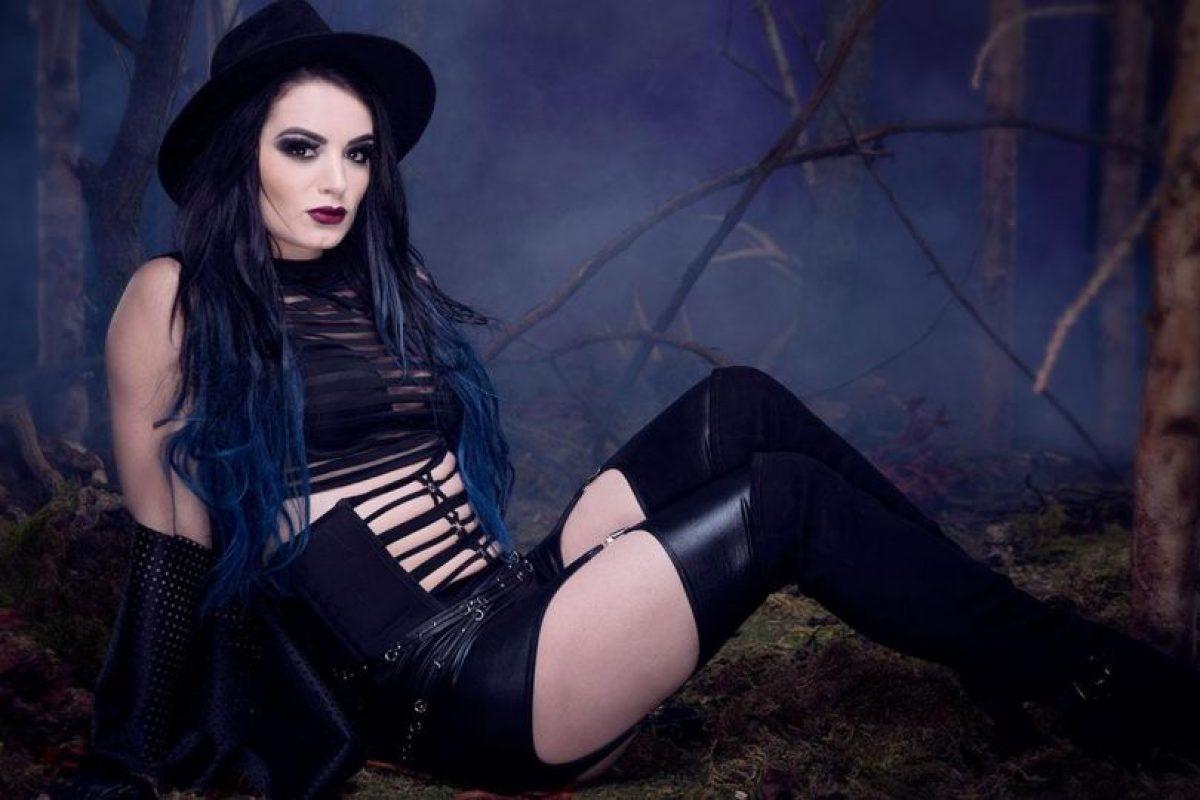 "Paige como ""Undertaker"""