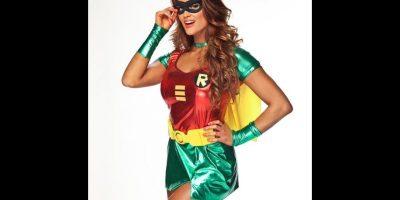 Eve Torres como Robin. Foto:WWE