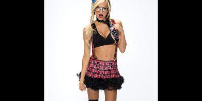 Summer Rae como una profesora. Foto:WWE