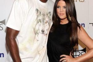 Después de casarse Khloé Kardashian se convirtió en Khloé Kardashian Odom, y la pareja se tatuó las iniciales del otro en sus manos (LO&KO). Foto:Getty Images