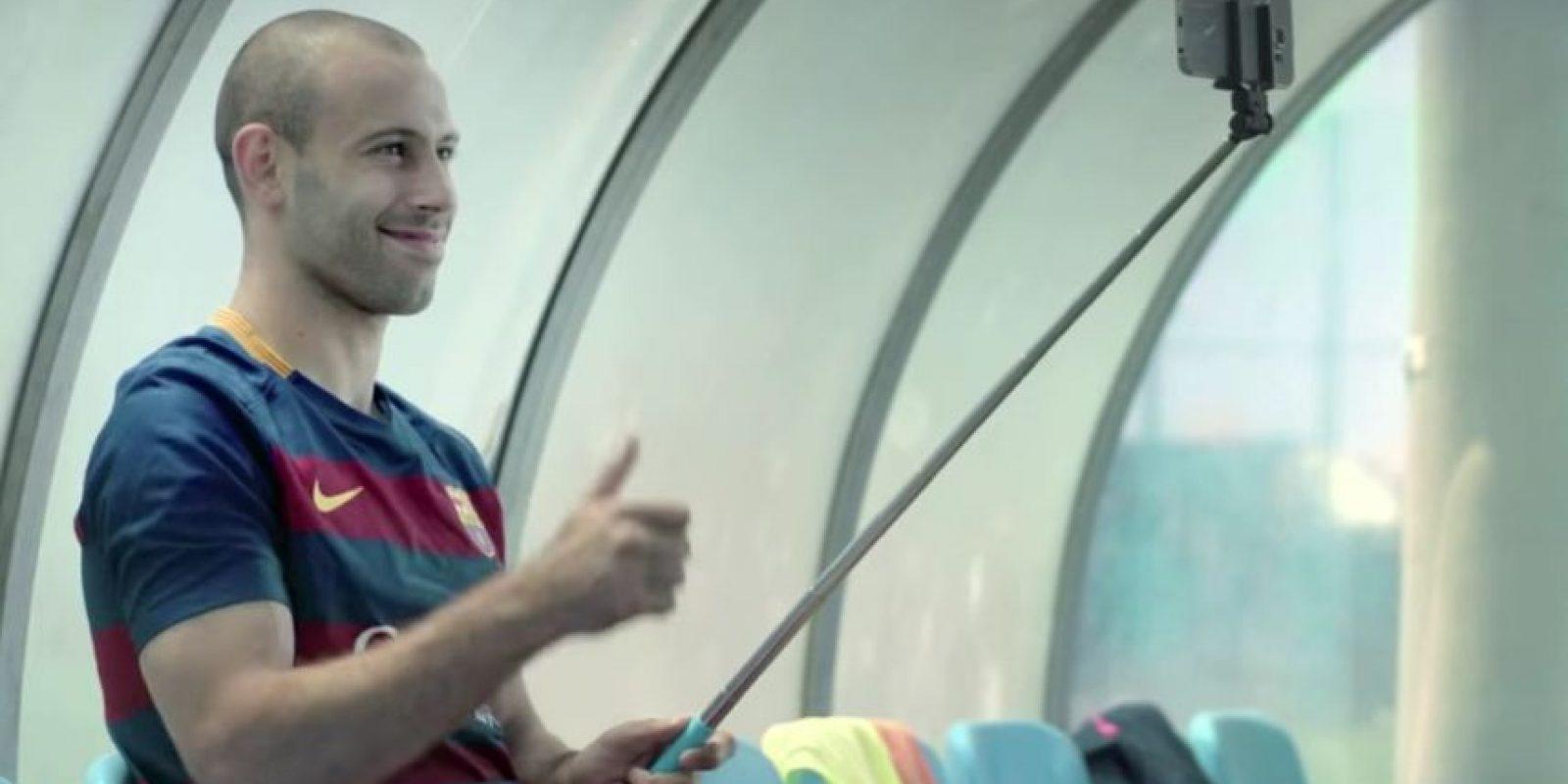 Mascherano lo aprobó. Foto:FC Barcelona / YouTube