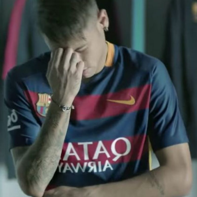 Neymar bailó con mucho sentimiento. Foto:FC Barcelona / YouTube