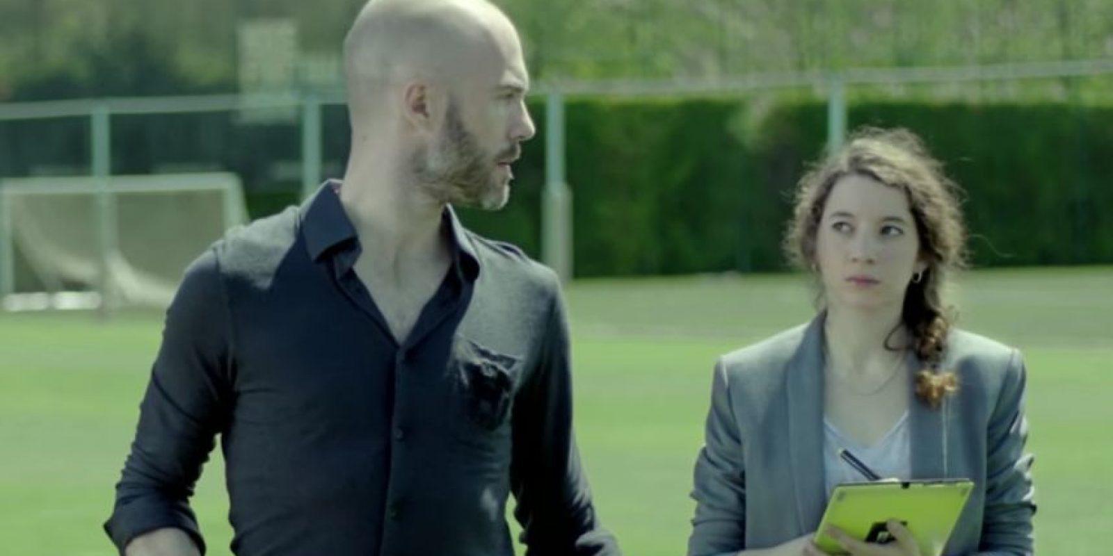 La gente no sabe por qué se ríe Suárez. Foto:FC Barcelona / YouTube