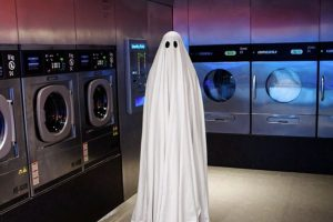 Y hasta de sus labores cotidianas, como lavar su ropa. Foto:Vía Instagram.com/_mr.boo