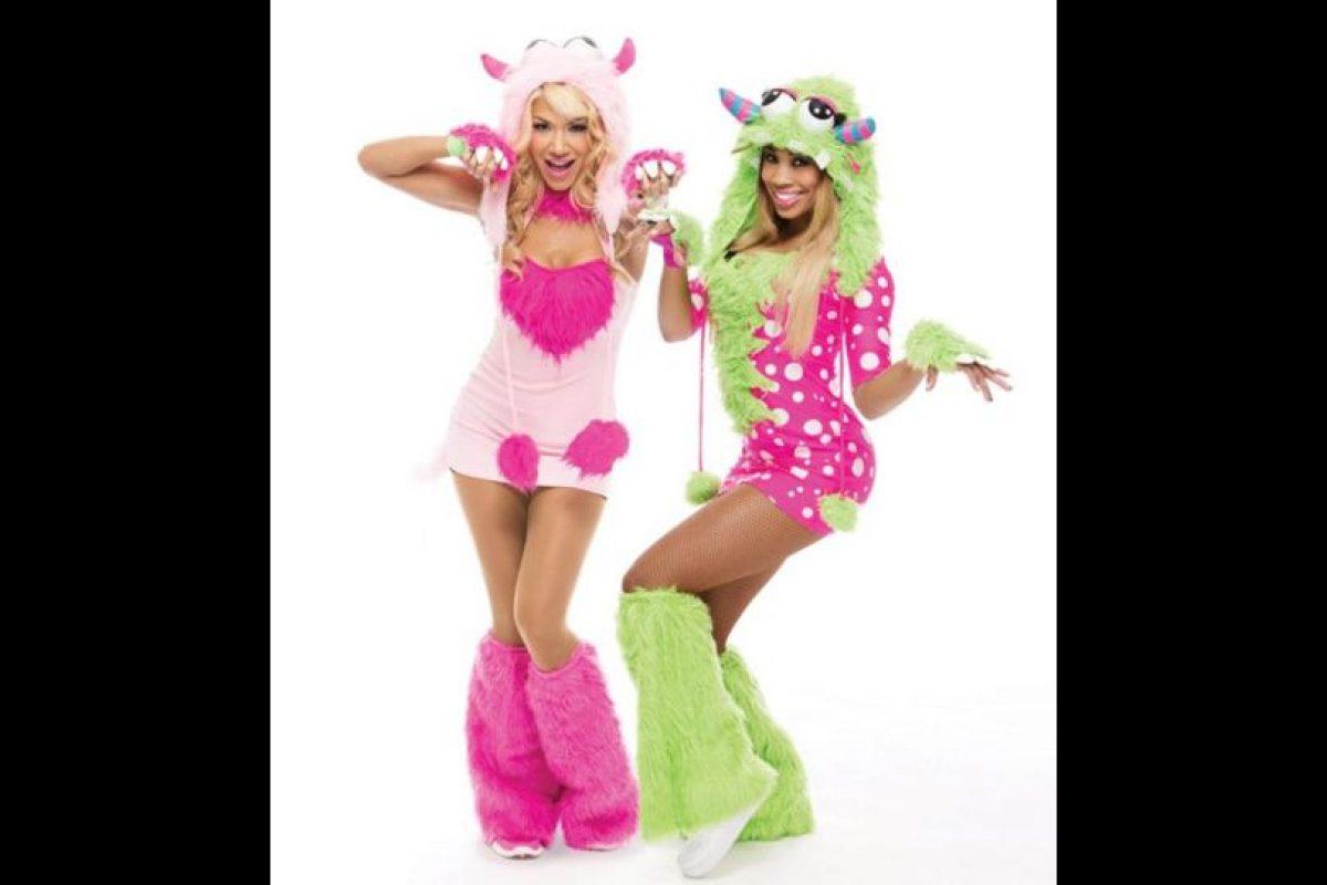 Rosa Mendes y Cameron de monstruos. Foto:WWE