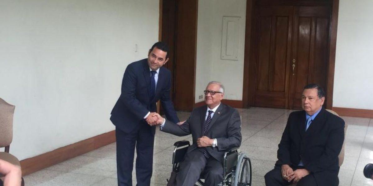 Presidente Alejandro Maldonado se reúne con su sucesor Jimmy Morales