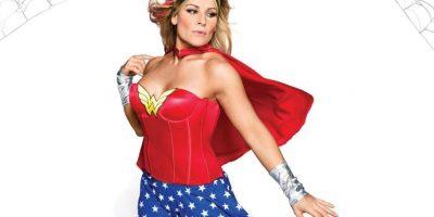 "Natalya como la ""Mujer Maravilla"". Foto:WWE"