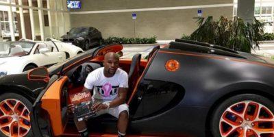 El último de ellos que se compró fue este Bugatti Veyron de 3.5 millones de dólares. Foto:instagram.com/FloydMayweather