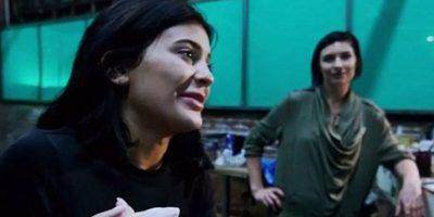 """A través de su sitio web, la estrella de """"Keeping Up With The Kardashians"""" compartió con sus fans el proceso de su caracterización de zombi. Foto:kyliejenner.com"""
