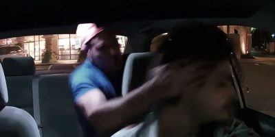 Video: Pasajero borracho golpea en el rostro a conductor de Uber
