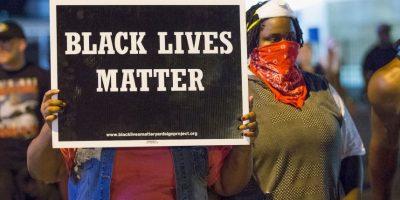 10. En esta ocasión las manifestaciones no fueron solo en Ferguson, miles de personas en ciudades como Nueva York y Los Ángeles protestaron y pidieron justicia para Brown. Foto:Getty Images