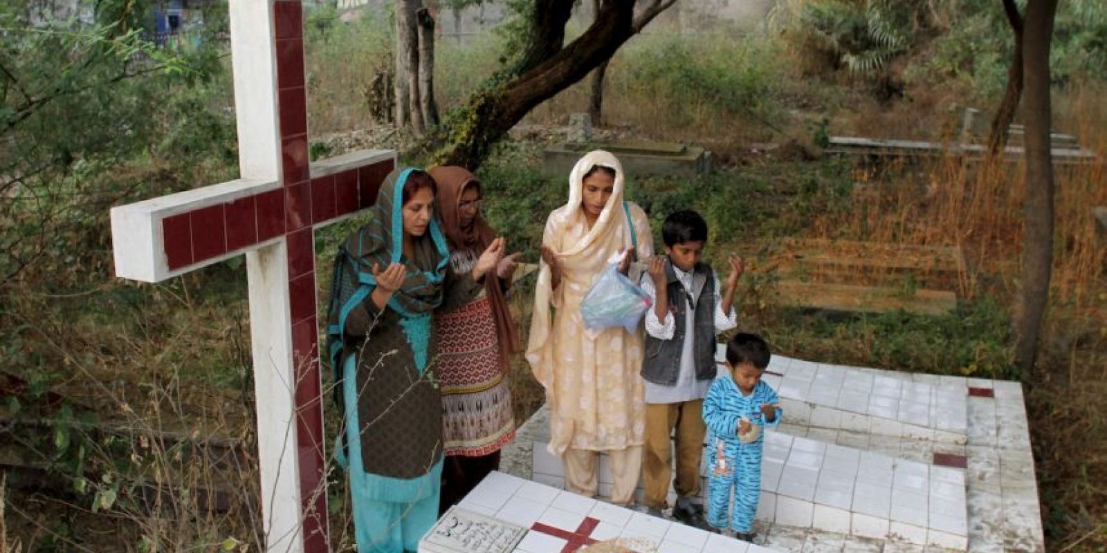 Día de Todas las Almas en Pakistán Foto:AP