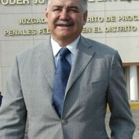 En marzo de 1995, fue arrestado por los cargos de asesinato y enriquecimiento ilícito, se le llevó a la prisión de Almoloya Foto:Pinterest