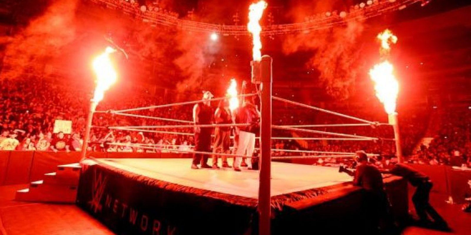 """Pero el """"Devorador de mundos"""" aseguró que ahora posee los poderos de ambas leyendas vivientes de la lucha libre Foto:WWE"""