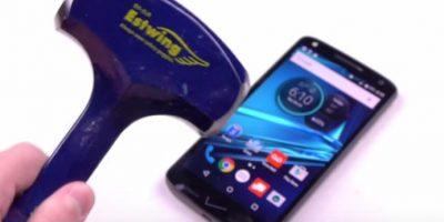 Video: ¿Motorola Droid Turbo 2 de verdad tiene pantalla irrompible?