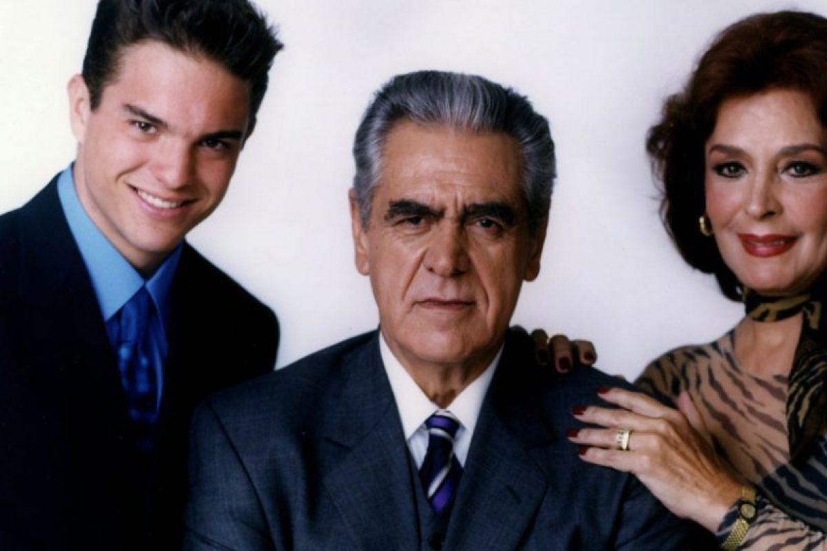 Asimismo, de otras familias amigas de ellos. Foto:vía Televisa