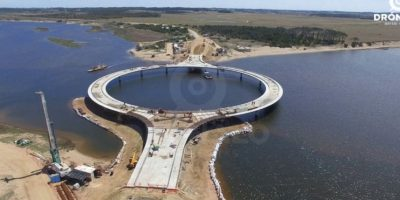 Los trabajos de construcción del puente comenzaron en marzo de 2014. Foto:Vía facebook.com/dronalo/