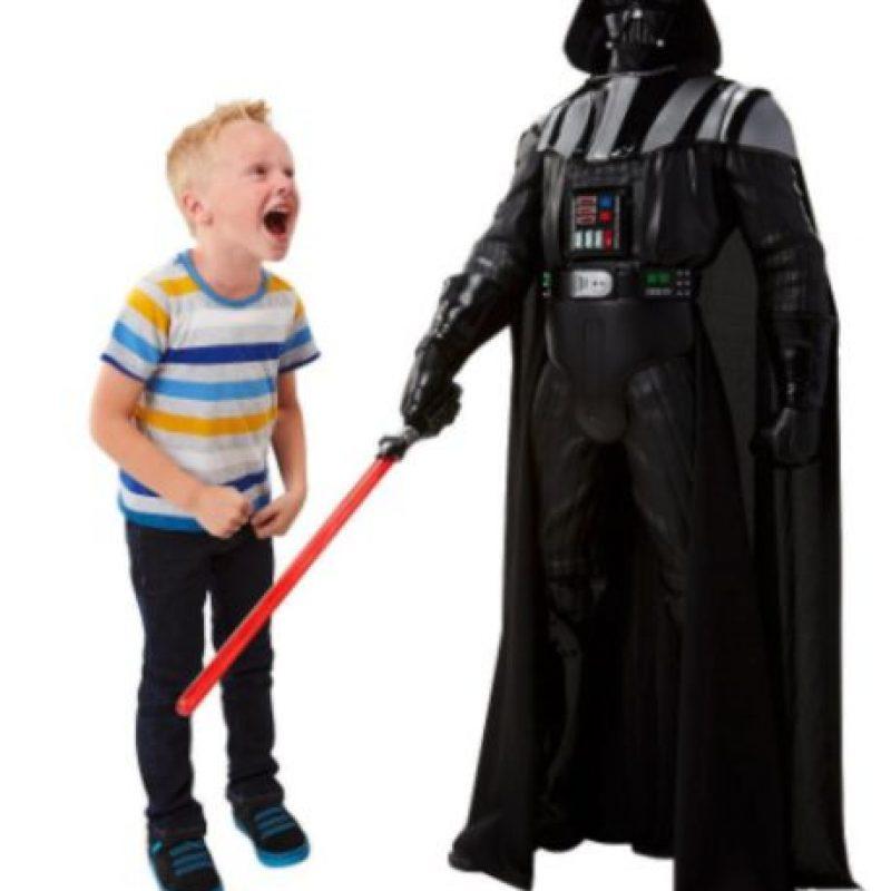"""Figura de acción """"Darth Vader"""" gigante Foto:Jakks Pacific"""