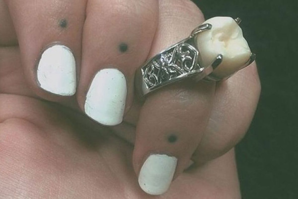 Miren el original anillo. Foto:Vía Facebook/DriveMyCaddy