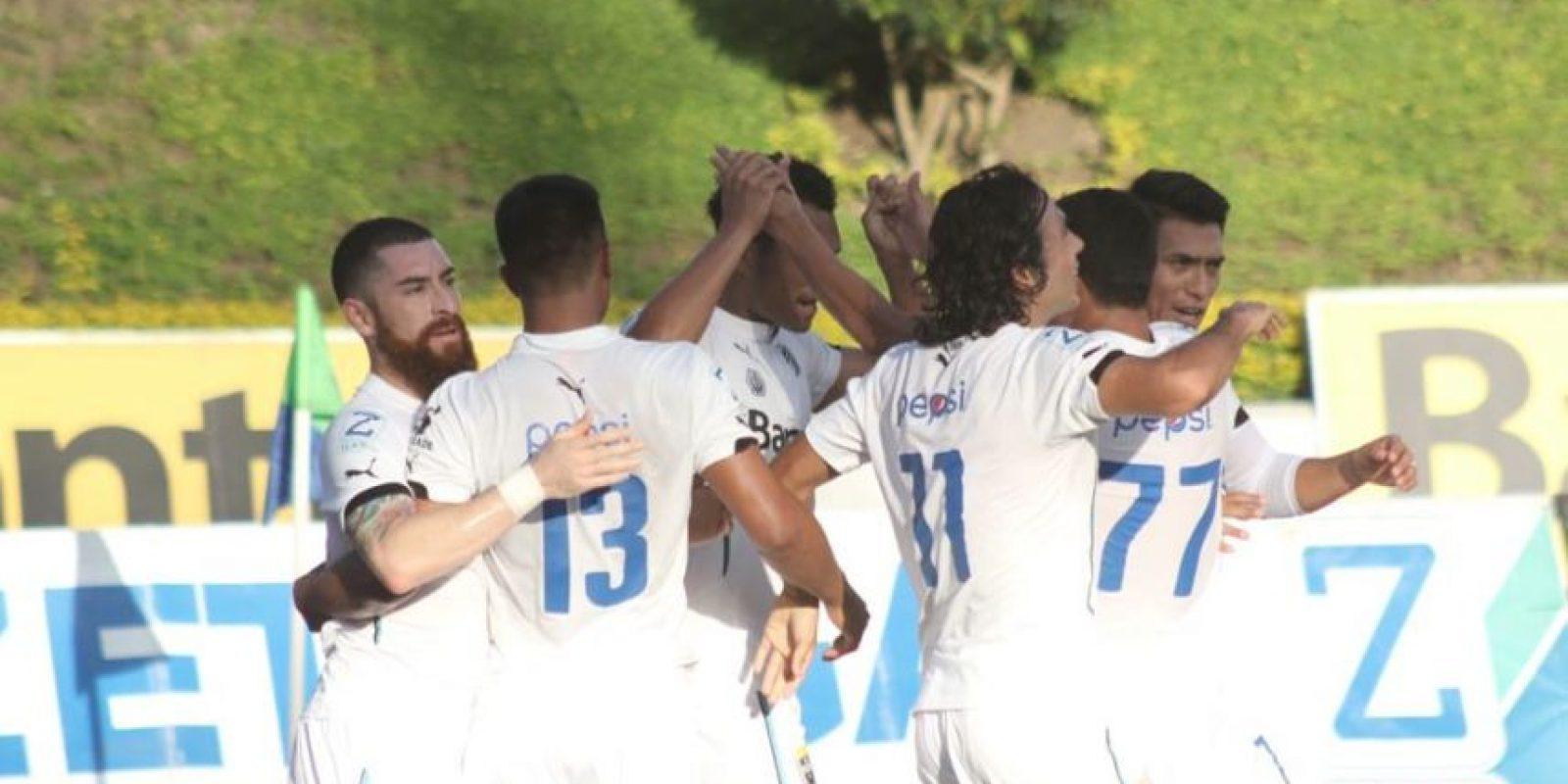 Los dos equipos vivieron jornadas de triunfo el miércoles en el Apertura 2015. Foto:Comunicaciones FC y rojos.com