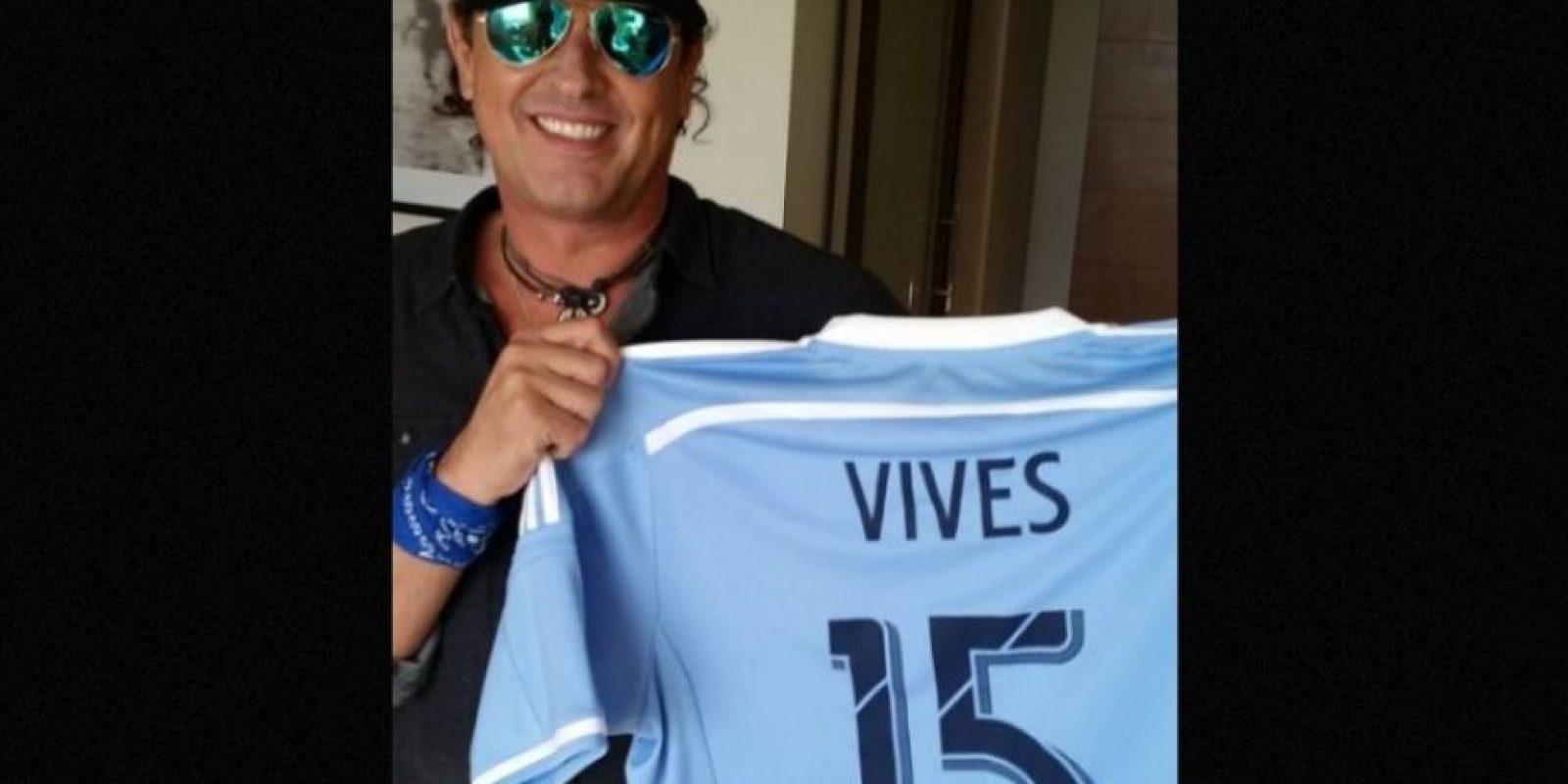 El colombiano Carlos Vives será uno de los invitados de la actriz. Foto:Instagram/carlosvives