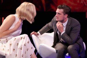 """""""Ella me pone muy nervioso porque mueve mucho la pierna como si fuera un tic nervioso. '¡Deja de hacer eso!"""