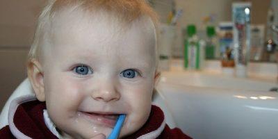 5. Además, al masticar producimos más ácido en la boca, el cual llega al estómago sin haber consumido alimentos. Esto irrita el estómago y puede provocar úlceras. Foto:Flickr
