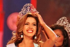 Alicia Machado ganó Miss Universo en 1996. Foto: vía Getty Images