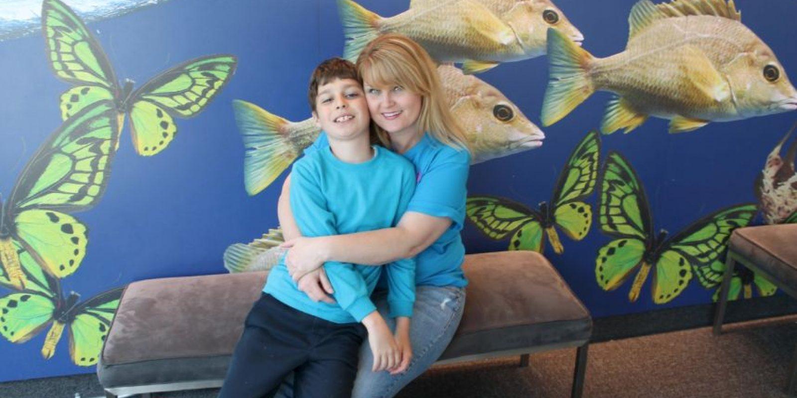 La madre del adolescente sabe lo mucho que él extraña su escuela. Foto:Vía facebook.com/rene.hoover