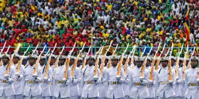 Marinos durante la toma de posesión del presidente Dar es Salaam en Sudán. Foto:AFP