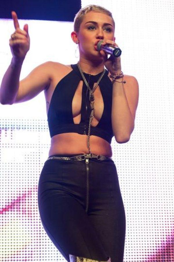 """Miley también indicó que """"no fue fácil crecer delante de las cámaras"""". Foto:Getty Images"""