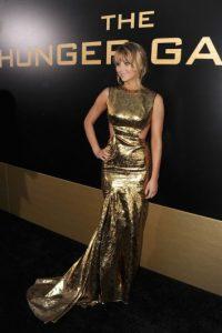 """Durante el estreno de """"Los Juegos del Hambre"""", la actriz lució este vestido dorado. Foto:Getty Images"""