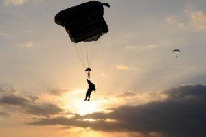 Saltos impactantes Foto:Vía Twitter/aaronbenitez