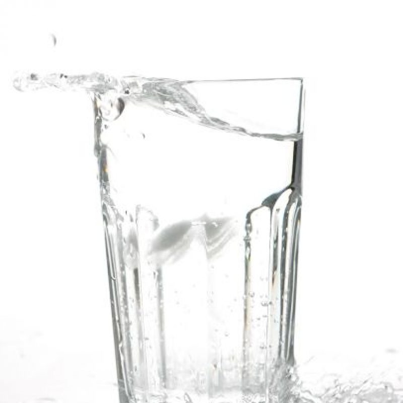 4. Alternar agua con alcohol en partes iguales. Foto:Getty Images