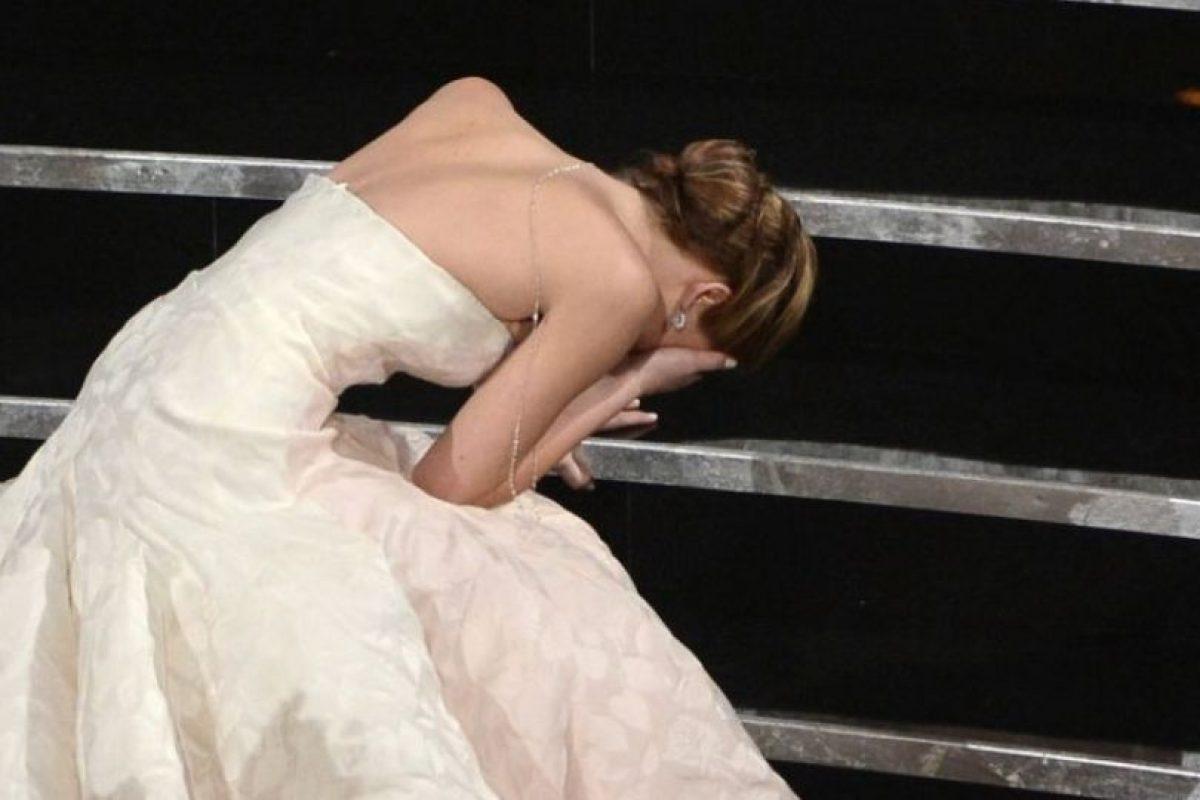 """En 2013, se cayó mientras subía al escenario para recibir su premio Oscar como """"Mejor Actriz"""". Foto:Getty Images"""