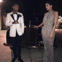 Sin embargo, Kylie Jenner se robó la noche con su look. Foto:Instagram/kyliejenner