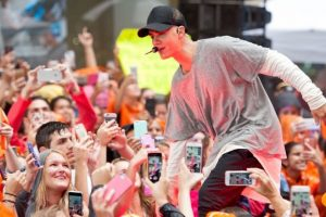 6. En septiembre del 2012, durante un concierto en Glendale, Arizona, Justin dejó ver que se encontraba muy enfermo, por lo que en pleno show vomitó y abadonó el escenario en dos ocasiones. Foto:Getty Images