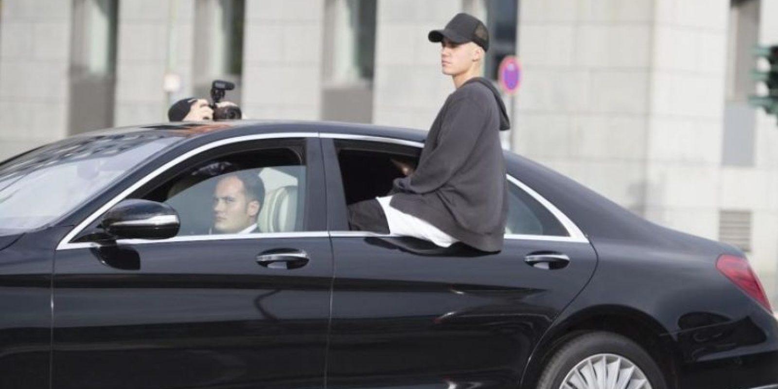 """4. En el 2013 durante el desfile de Victoria's Secret, antes de salir al escenario Justin vio los pechos de la modelo Jourdan Dunn, a los cuales alabó al decir que """"estaban bonitos"""", lo que hizo que ésta se incomodara y pusiera nerviosa. Foto:Grosby Group"""