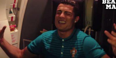 """VIDEO. Ronaldo se """"transforma"""" en Rihanna a bordo de un avión"""