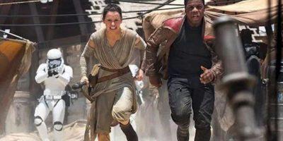 Los nuevos personajes que veremos en la próxima cinta. Foto:vía facebook.com/StarWars.LATAM