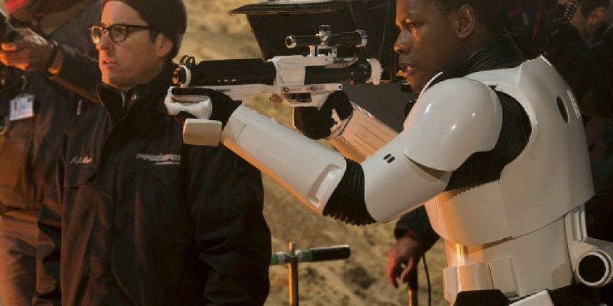 """Aún no se estrena el episodio siete y el guion de """"Star Wars Episode VIII"""" ya está listo para su filmación"""