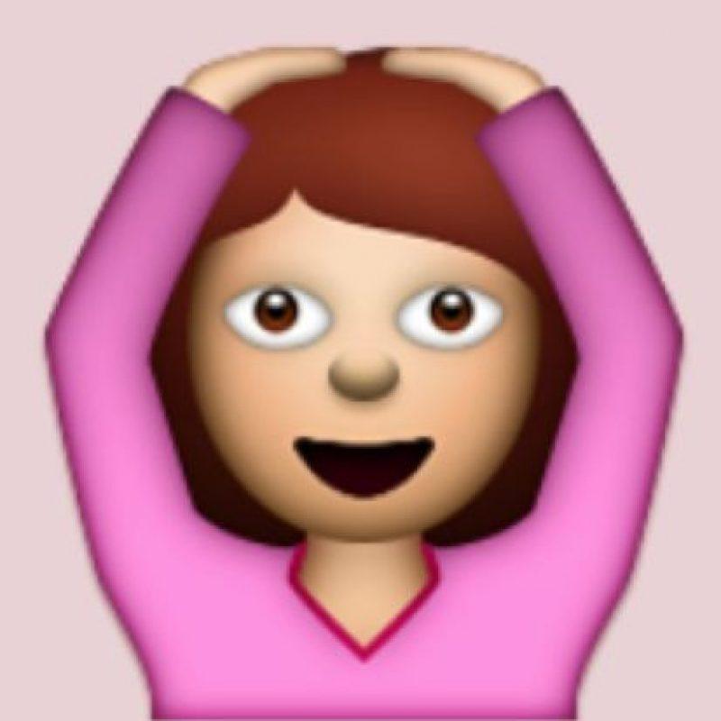 """Emoción, relajamiento o sorpresa: Aunque en realidad significa """"OK"""" debido a que aparentemente representaría la letra """"O"""" Foto:Pinterest"""