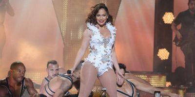 La cantante sorprendió a sus fans con impresionantes pasos de baile Foto:Getty Images