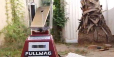 3- El dispositivo se abrió dentro de la licuadora. Foto:FullMag / YouTube