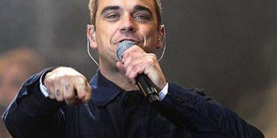 Robbie Williams dejó su carrera en 2006 para dedicarse a tener contacto con extraterrestres. Afirmó haber visto un ovni cuando niño, otro en Beverly Hills y otro más en Nevada. Foto:Getty Images