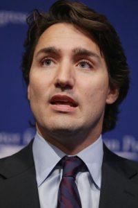 """Trudeau ha prometido acoger a 25 mil refugiados cuando el primer ministro anterior, Stephen Harper, solo estableció acoger a 10 mil personas, reseñó el periódico español """"El Mundo"""". Foto:Getty Images"""